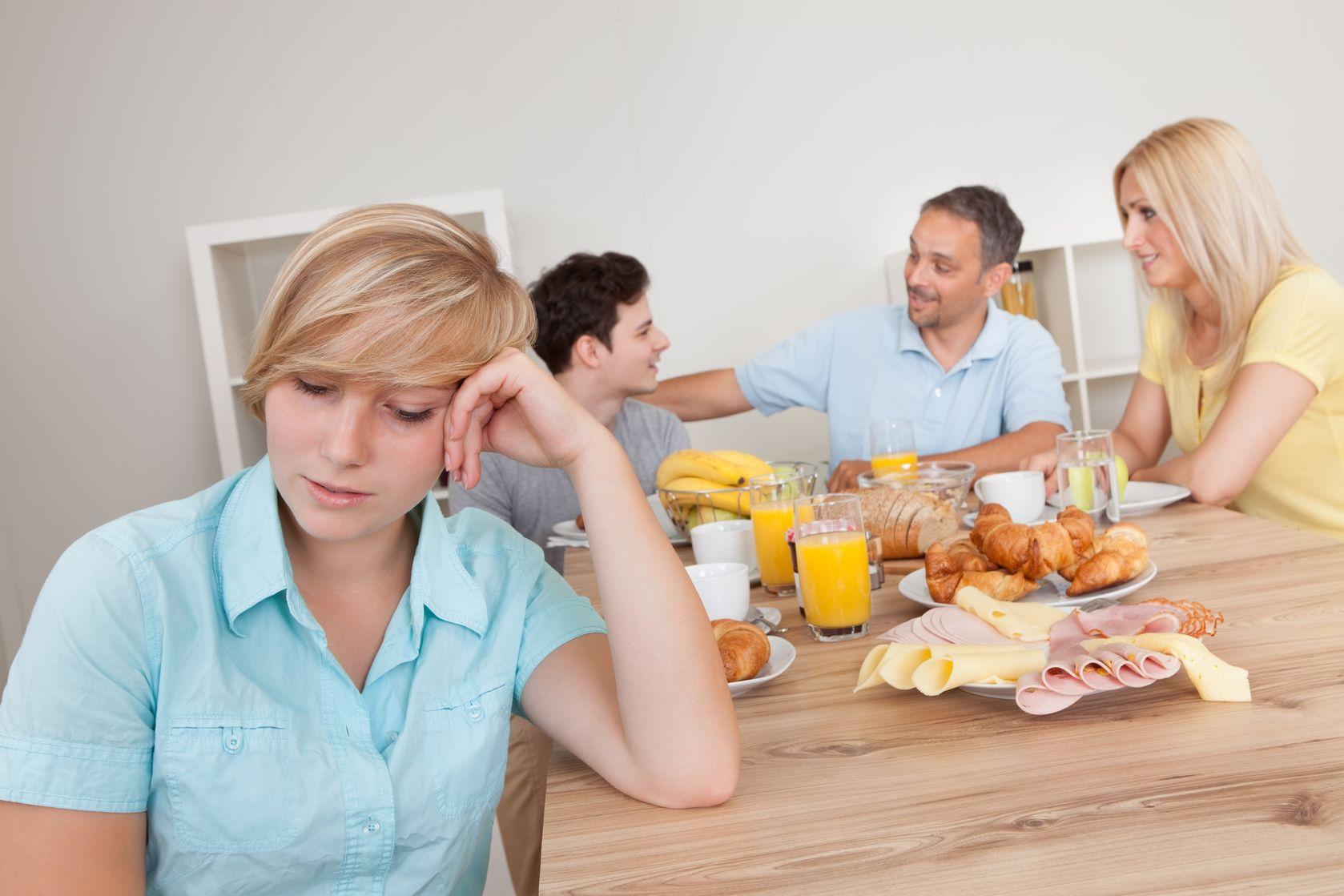 грустные картинки семьи